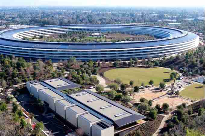 ring-Shaped Apple Park Cupertino, California, United States